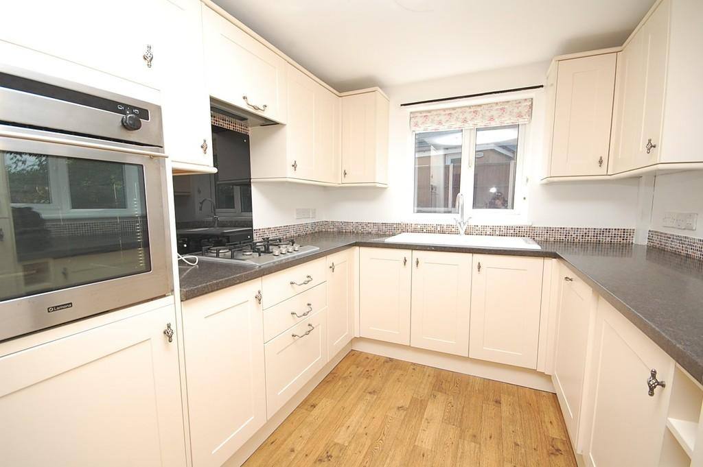 3 Bedrooms Semi Detached House for sale in Prescot Road, Eccleston Hill, St. Helens