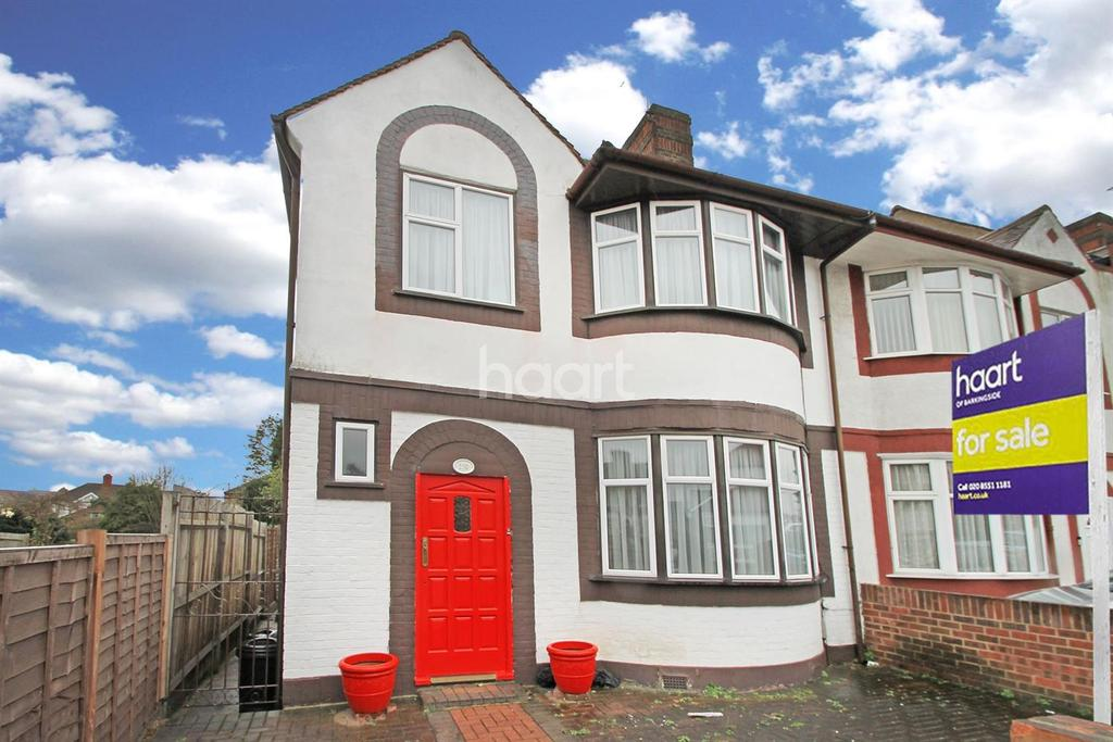3 Bedrooms End Of Terrace House for sale in Hamilton Avenue, Barkingside