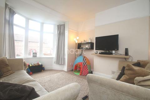 2 bedroom flat for sale - Ladysmith Road, Lipson Road