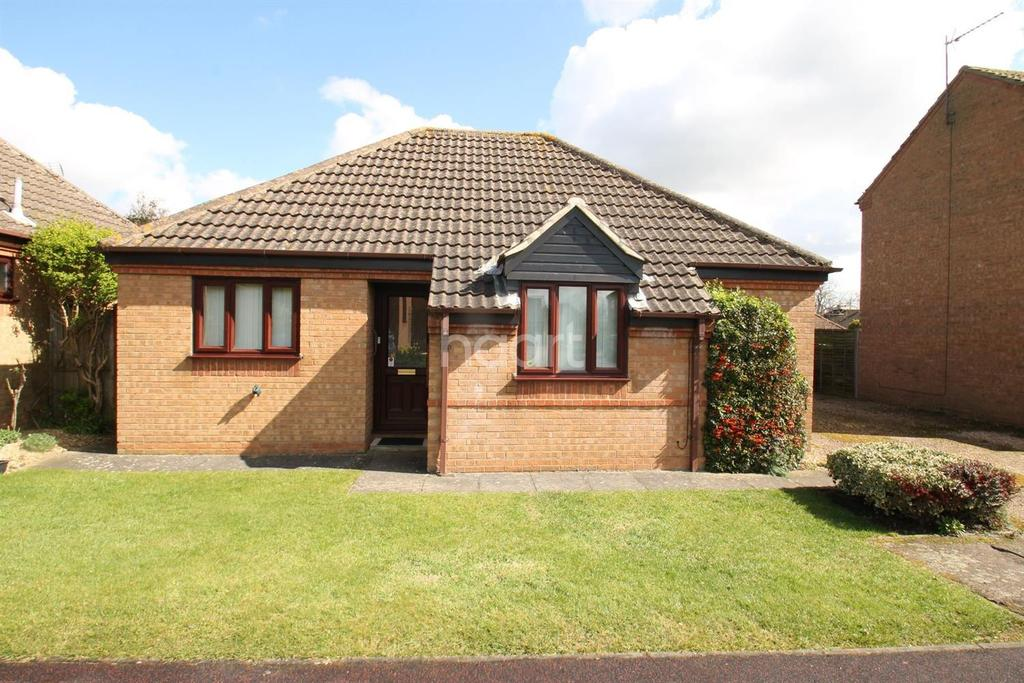3 Bedrooms Bungalow for sale in Churchfields Road, Folkingham, NG34 0TR