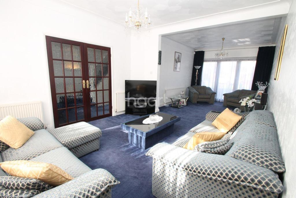 4 Bedrooms Semi Detached House for sale in Eastern Avenue, Newbury Park