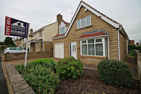 3 bedroom detached house for sale - Springfield Road, Baildon