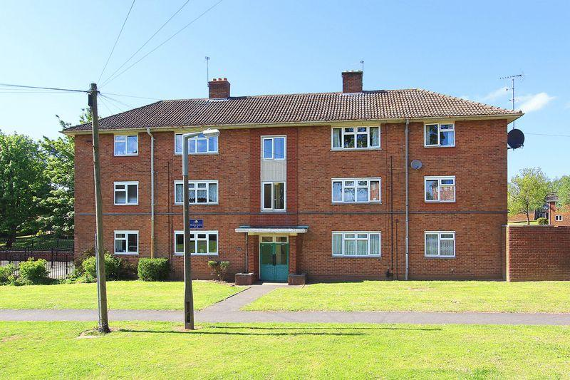 2 Bedrooms Apartment Flat for sale in PENN, Warstones Gardens