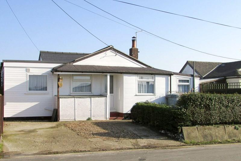 2 Bedrooms Bungalow for sale in Scratby Crescent, Scratby, Great Yarmouth