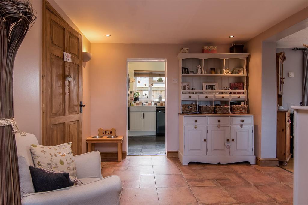 4 Bedrooms End Of Terrace House for sale in Austendyke Road, Weston Hills
