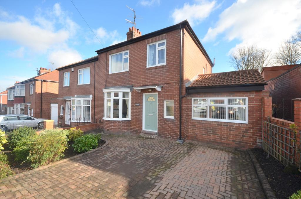4 Bedrooms Semi Detached House for sale in Heworth