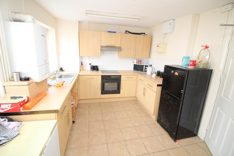 2 Bedrooms Flat for sale in Goshawk Road, Haverfordwest, Pembrokeshire. SA61 2TY