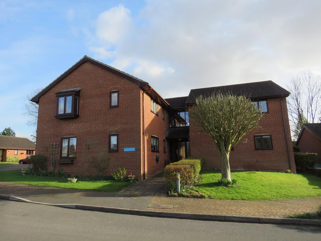 1 Bedroom Retirement Property for sale in ASHLAWN GARDENS, WINCHESTER ROAD, ANDOVER SP10