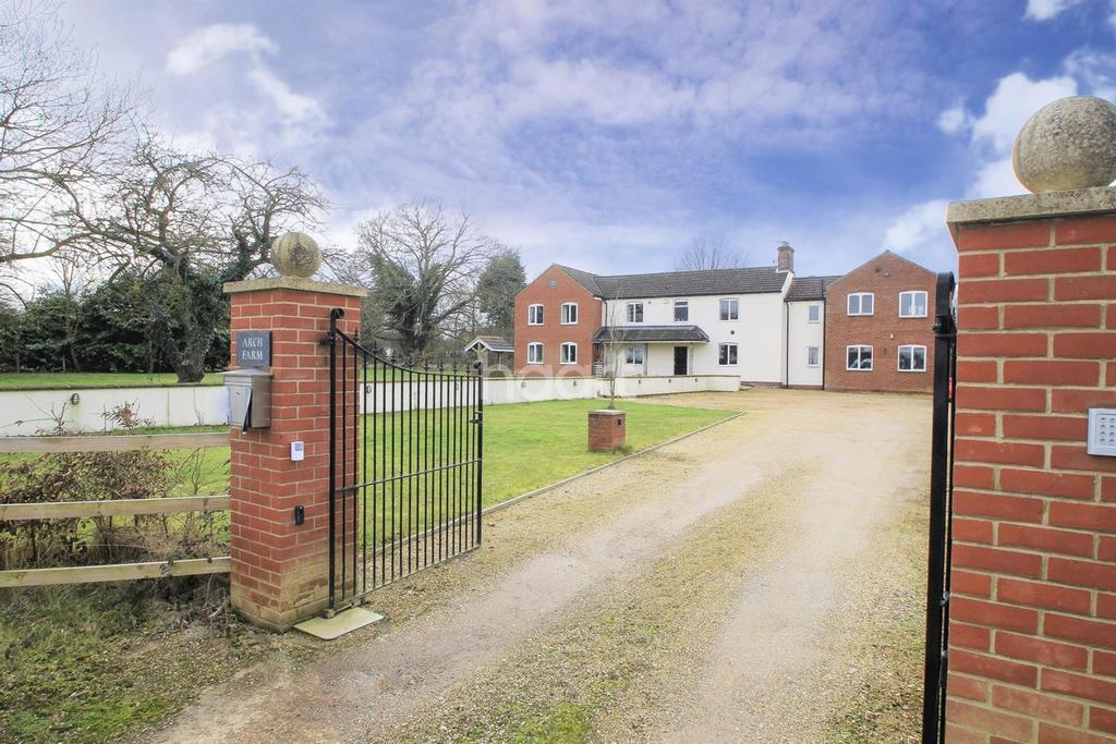 6 Bedrooms Detached House for sale in Podmore Lane, Dereham
