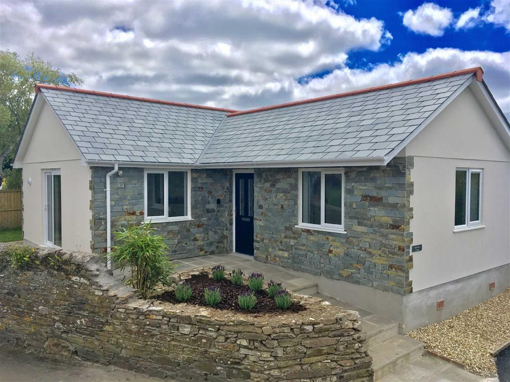 2 Bedrooms Bungalow for sale in Zaggy Lane, Callington, Cornwall