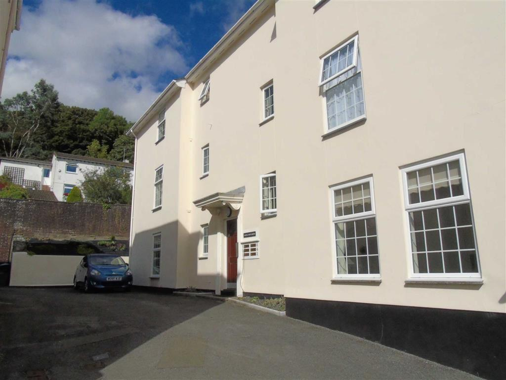 1 Bedroom Apartment Flat for sale in Russell Court Gardens, Tavistock, Devon