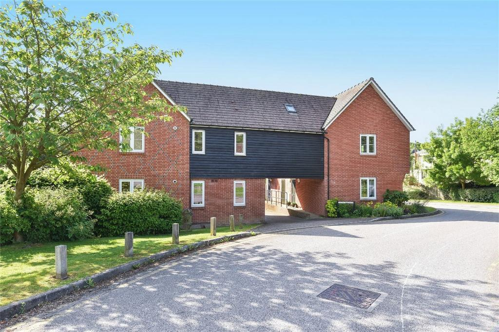 2 Bedrooms Flat for sale in Kings Worthy, Winchester, Hampshire