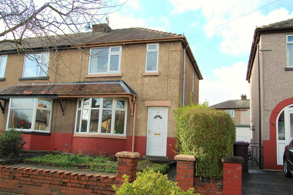 3 Bedrooms Semi Detached House for sale in Caernarvon Avenue, Burnley