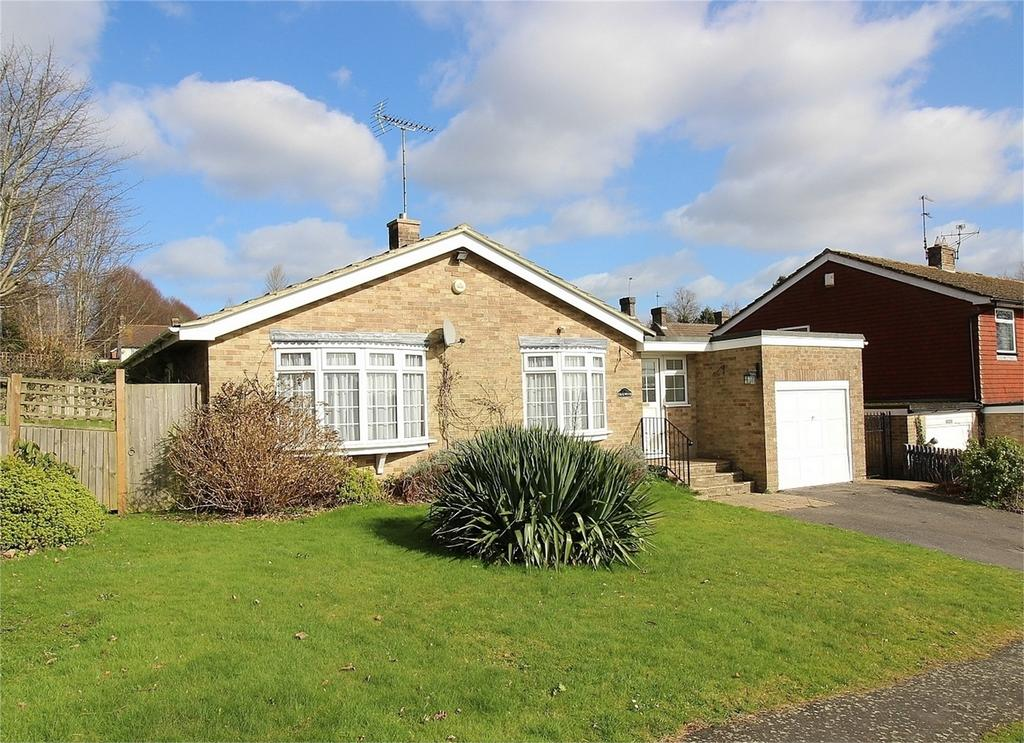 3 Bedrooms Detached Bungalow for sale in Grange Road, Uckfield, East Sussex