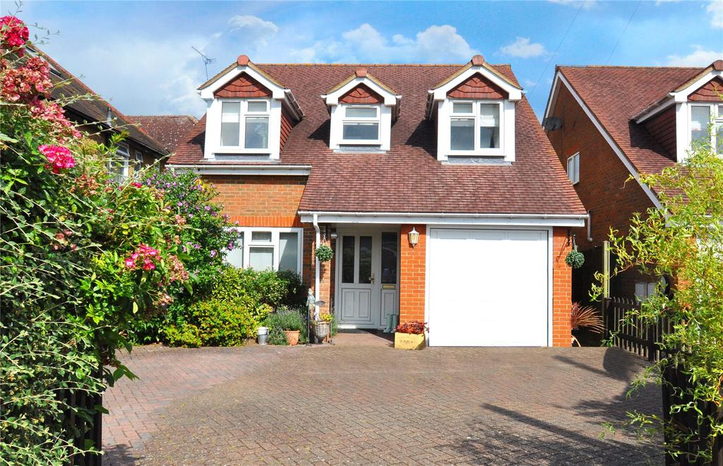 4 Bedrooms Detached House for sale in Hawfield Gardens, Park Street, St Albans, Hertfordshire