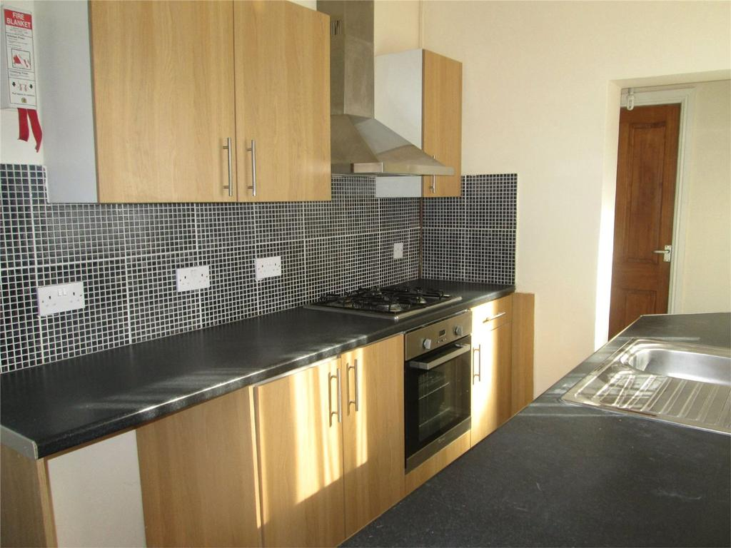 3 Bedrooms End Of Terrace House for sale in Manvers Street, Worksop, Nottinghamshire, S80