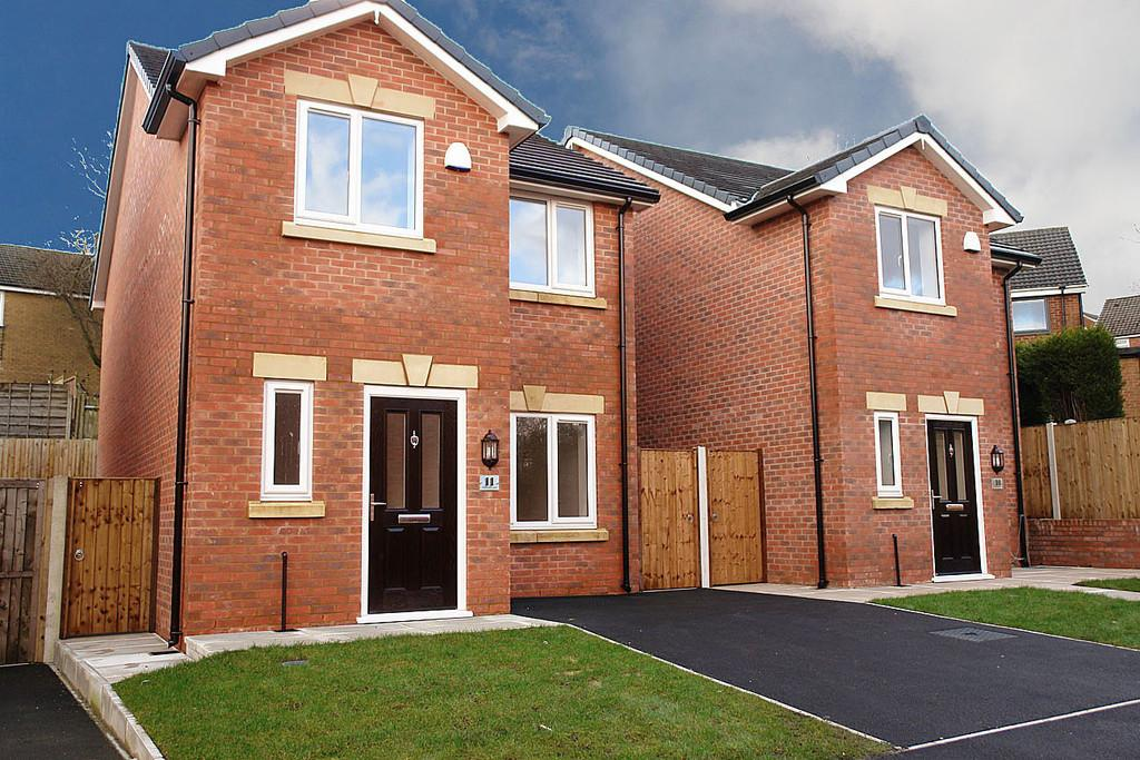 3 Bedrooms Detached House for sale in 11 Parkfield Court, Moorside