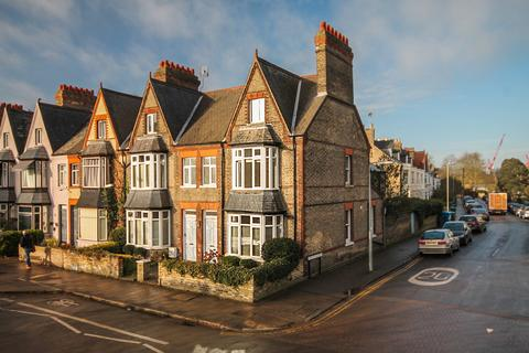 5 bedroom end of terrace house to rent - Tenison Road, Cambridge