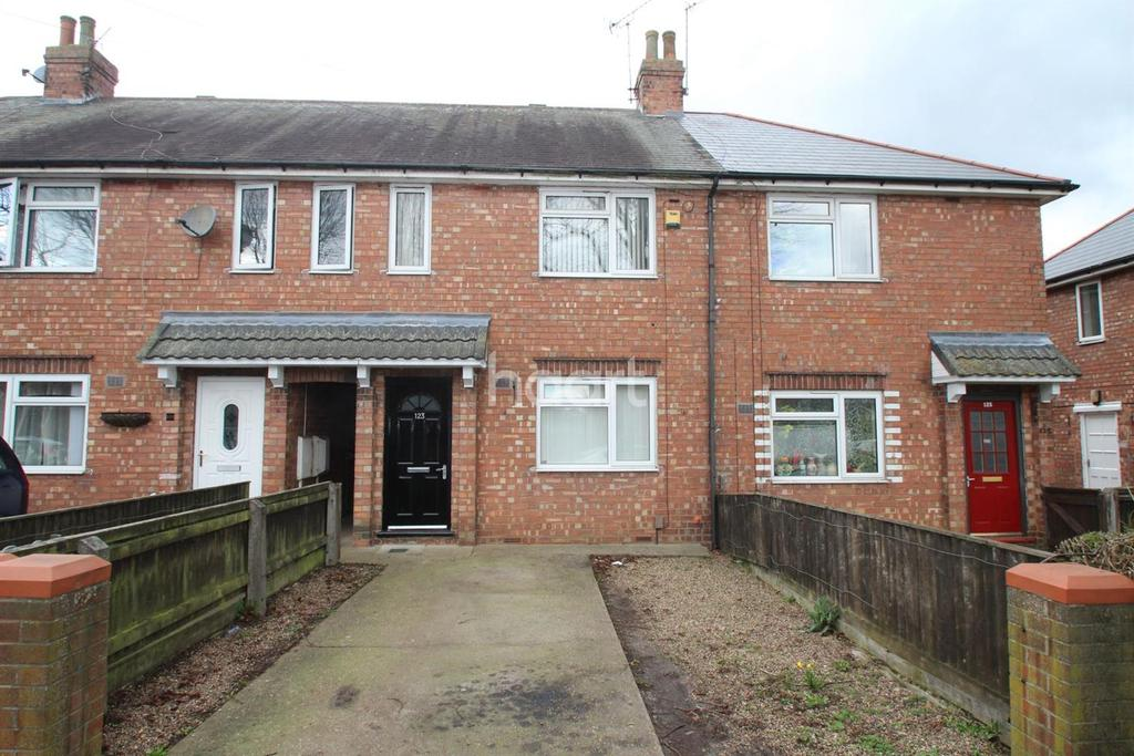 2 Bedrooms Terraced House for sale in Browning Drive, Lincoln, LN2