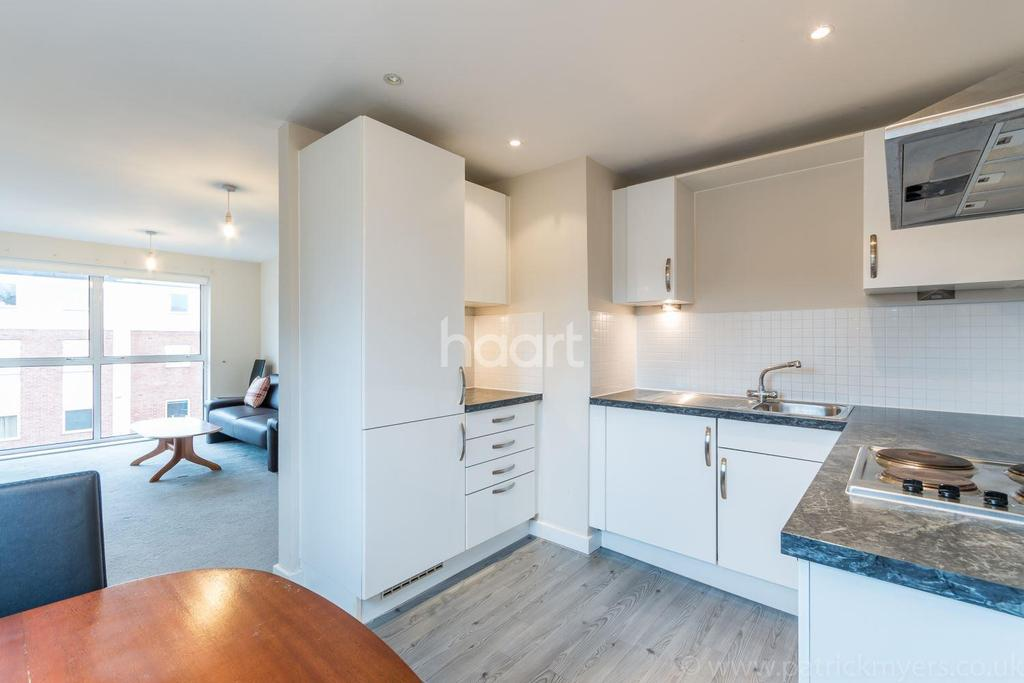 2 Bedrooms Flat for sale in Highwood Close, Dulwich, SE22