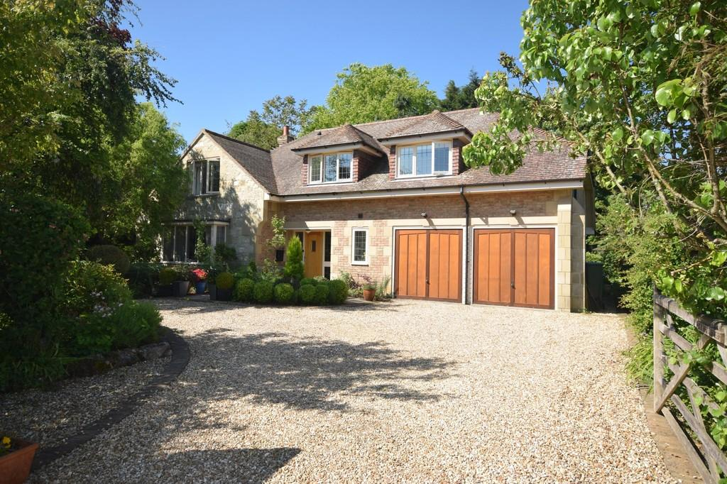 4 Bedrooms Detached House for sale in High Street, Godshill