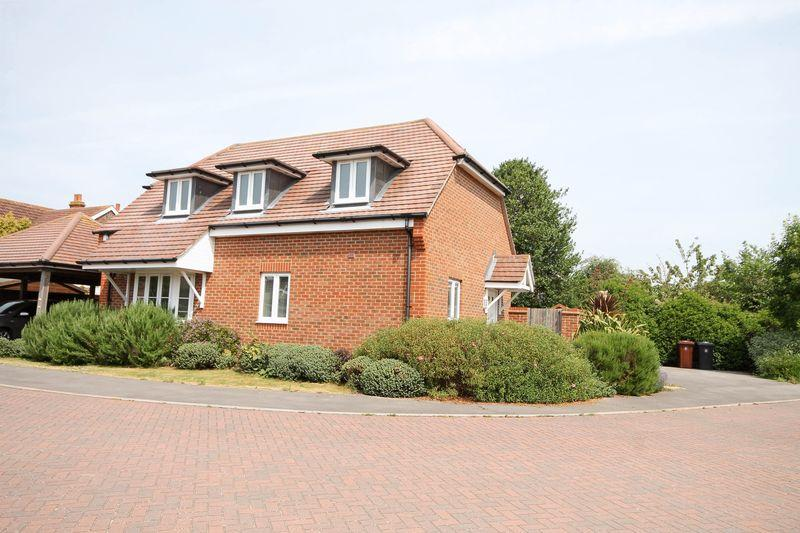 3 Bedrooms Detached House for sale in Eden Place, Southbourne