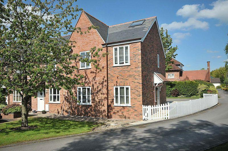 4 Bedrooms End Of Terrace House for sale in Faulkners Lane, Mobberley