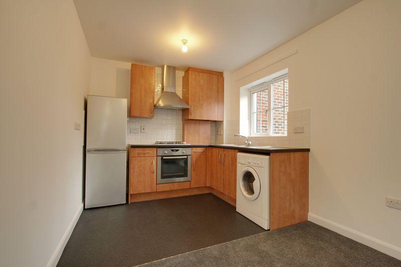 Cranwells Lane, Farnham Common, Buckinghamshire SL2 2 bed ...