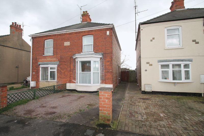 3 Bedrooms Semi Detached House for sale in Pennygate, Spalding