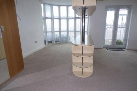 Studio to rent - 500 Castle Lane West, Bournemouth