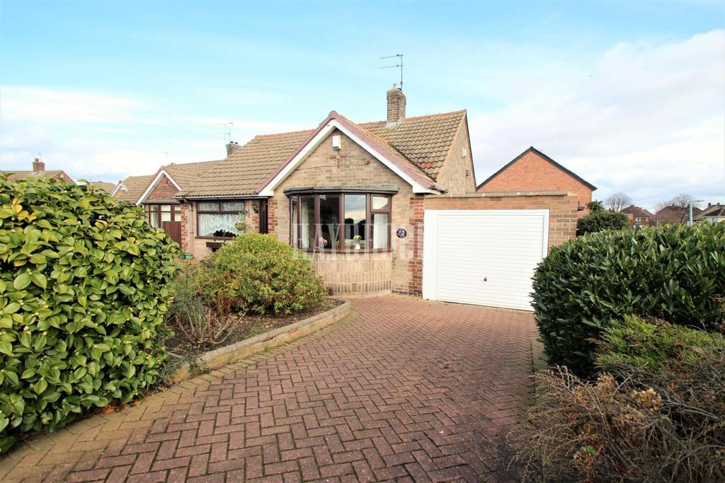 2 Bedrooms Bungalow for sale in St Michaels Avenue, Swinton