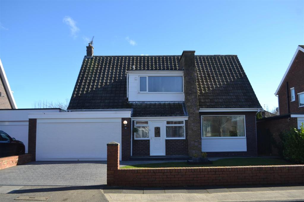 3 Bedrooms Detached House for sale in Lonsdale Avenue, South Bents, Sunderland