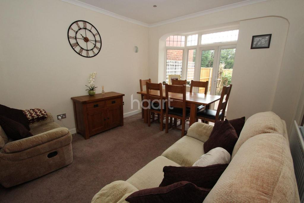 4 Bedrooms Semi Detached House for sale in Lord Avenue, Clayhall