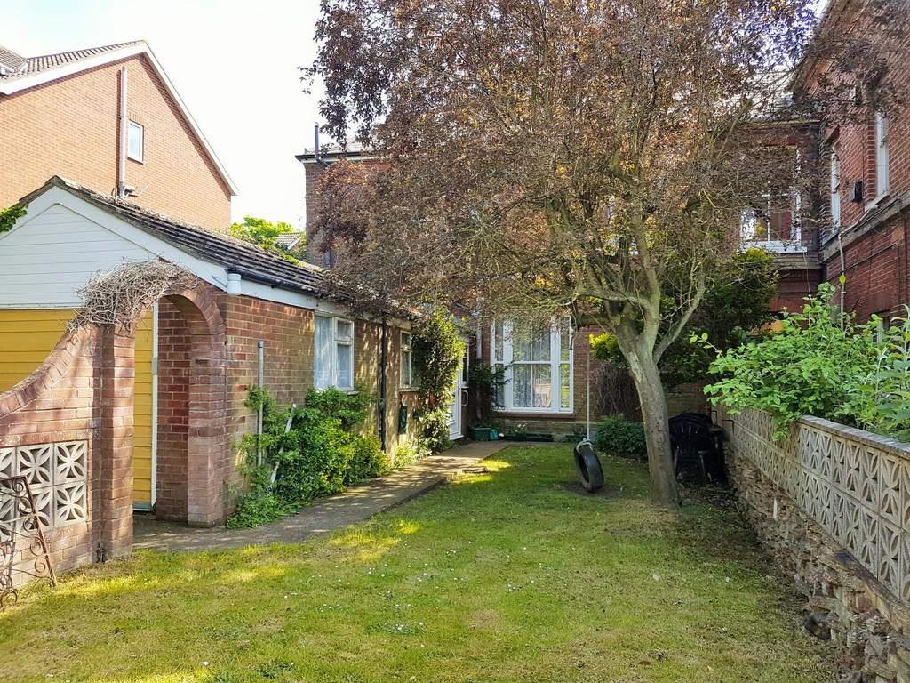 3 Bedrooms End Of Terrace House for sale in Cromer