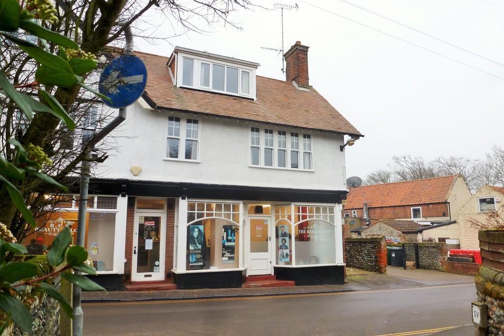 3 Bedrooms Maisonette Flat for sale in Mundesley
