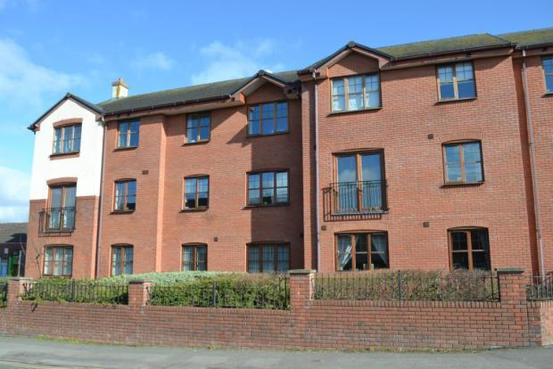 2 Bedrooms Apartment Flat for sale in Badgers Way, Heath Hayes, Cannock