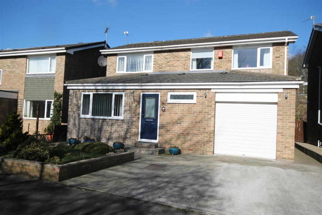 4 Bedrooms House for sale in Mitford Court, Sedgefield, Stockton-On-Tees