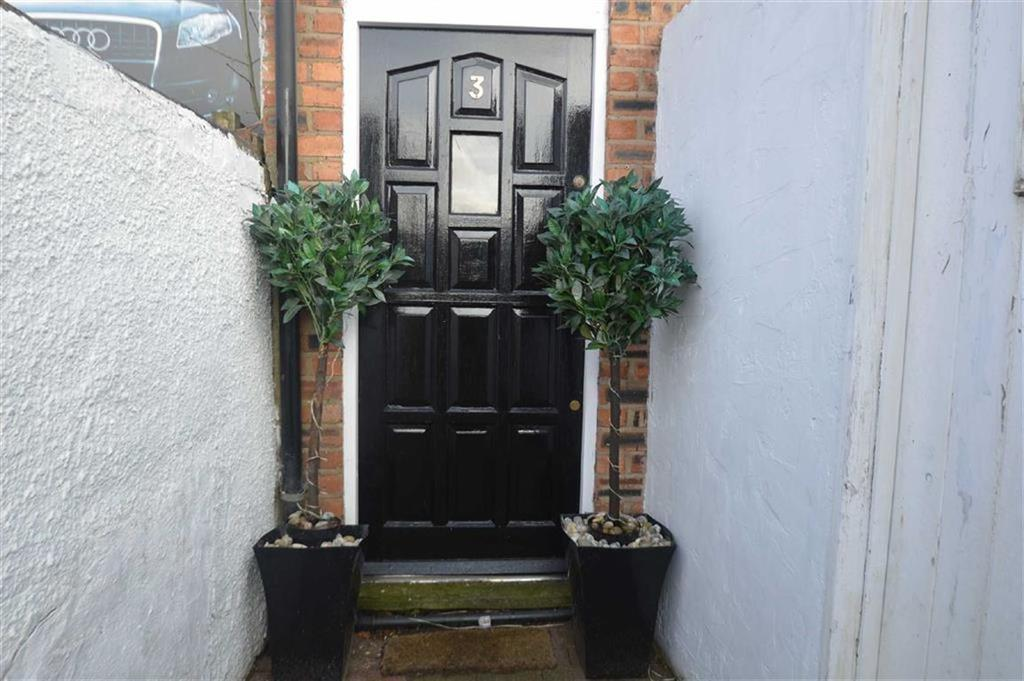 2 Bedrooms Terraced House for sale in Westminster Street, Macclesfield