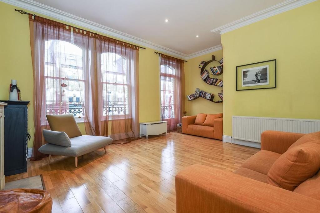 3 Bedrooms Maisonette Flat for sale in Glazbury Road, West Kensington, W14