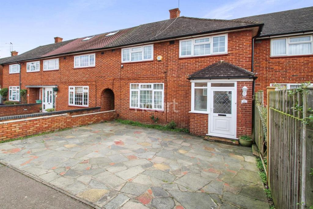 3 Bedrooms Terraced House for sale in Nicoll Way, Borehamwood