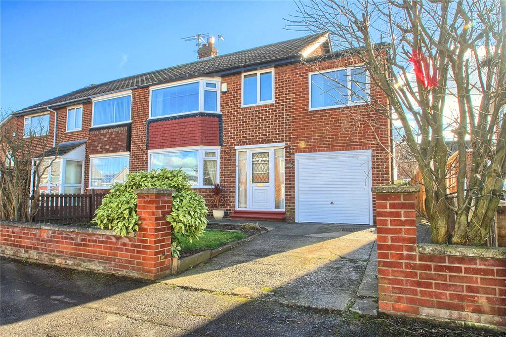 4 Bedrooms Semi Detached House for sale in Fontwell Close, Fairfield