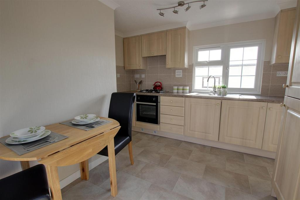 2 Bedrooms Park Home Mobile Home for sale in 4 Pinewood Park, Warren Road, North Somercotes