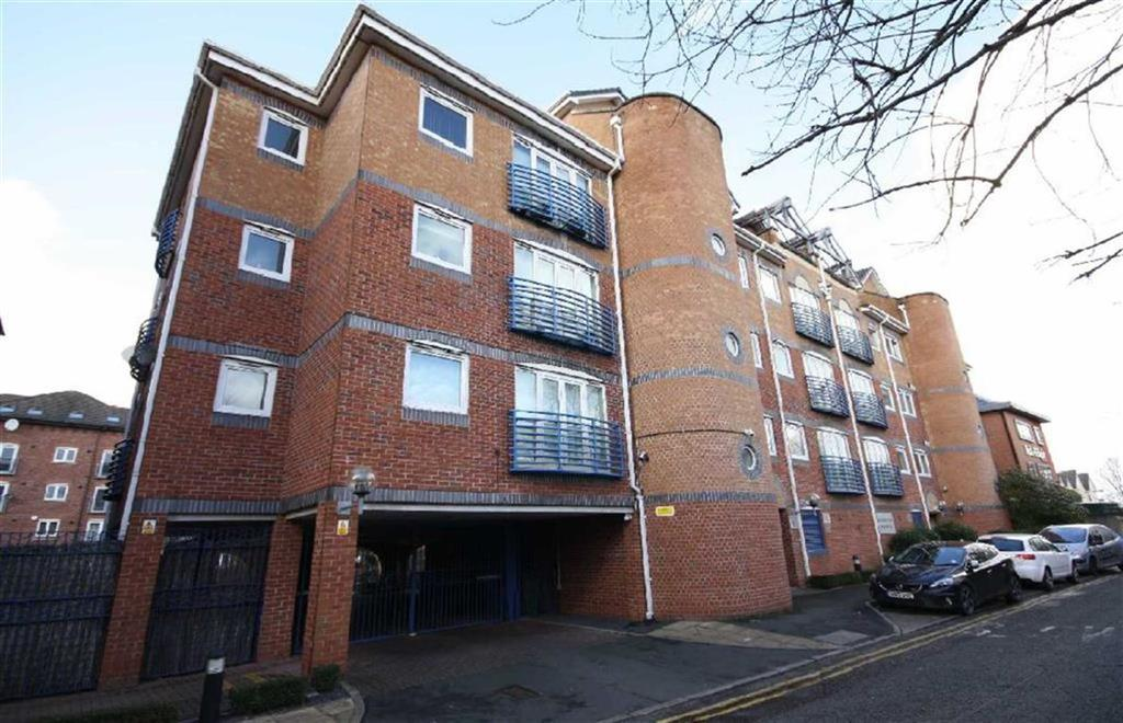 2 Bedrooms Flat for sale in Britannia Road, Sale