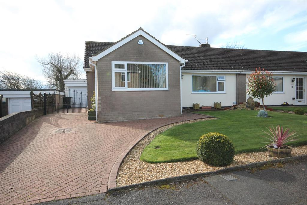 3 Bedrooms Semi Detached Bungalow for sale in North Close Elwick, Hartlepool