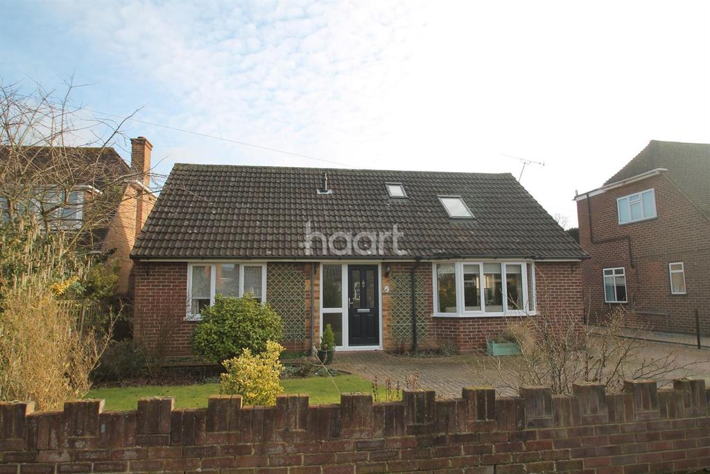 4 Bedrooms Bungalow for sale in Holyport