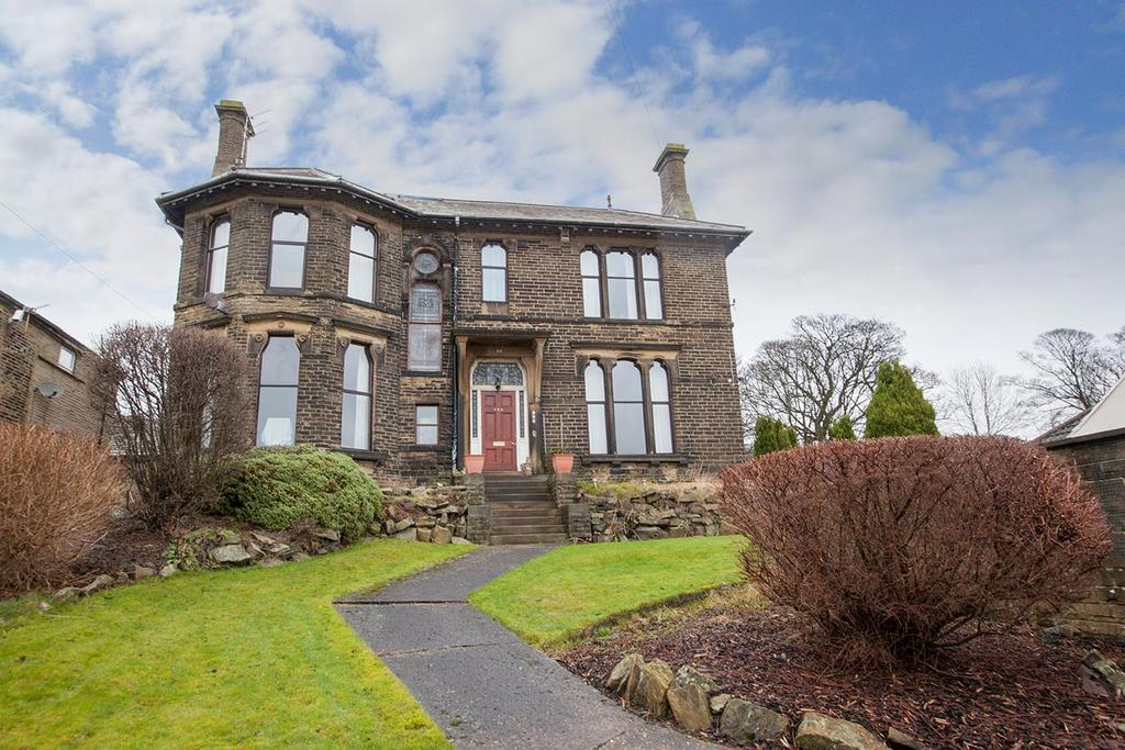 4 Bedrooms Detached House for sale in Thornton Road, Thornton, Bradford