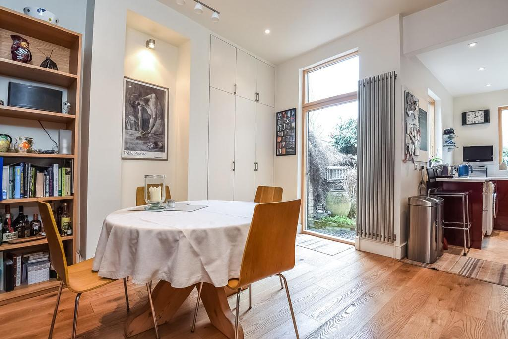 2 Bedrooms Terraced House for sale in Byton Road, Tooting, SW17