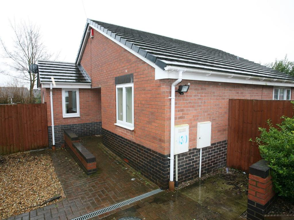 2 Bedrooms Detached Bungalow for sale in 430 Littleworth Road, Hednesford, WS12 1JB