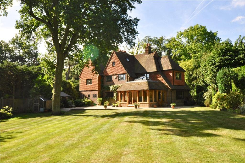 5 Bedrooms Detached House for sale in Burwood Road, Walton-on-Thames, Surrey, KT12