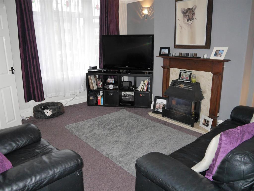 2 Bedrooms Terraced House for sale in St. Enochs Road, Wibsey, Bradford, BD6 3AA